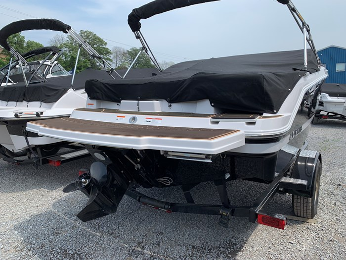 2019 Four Winns HD 180 Mercury 4.5L/A 200HP Photo 3 of 24