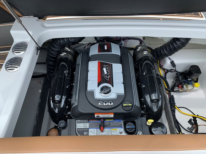 2019 Four Winns HD 180 Mercury 4.5L/A 200HP Photo 24 of 24