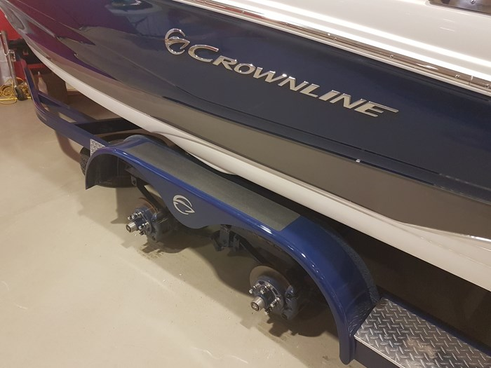 2019 Crownline 215 SS Photo 9 of 36