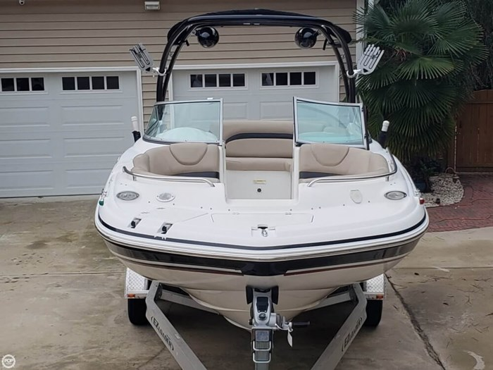 2014 Hurricane 2200 SunDeck Photo 10 of 20