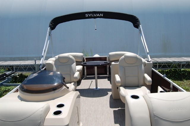 2019 Sylvan 8520 Cruise LZ Photo 4 of 13