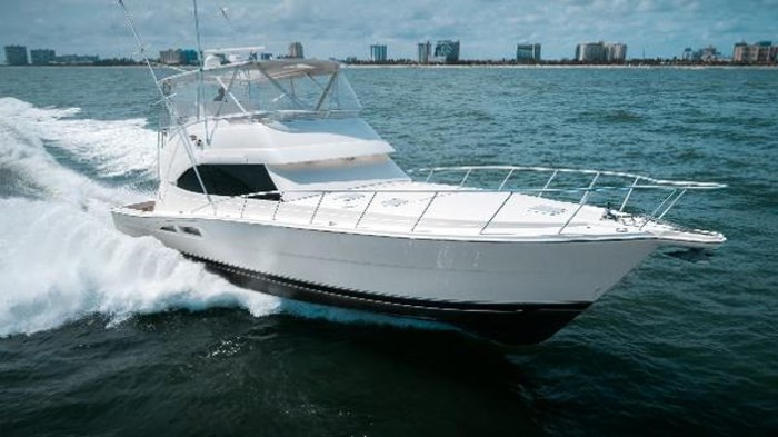 2007 Riviera 58 Flybridge Photo 3 sur 59