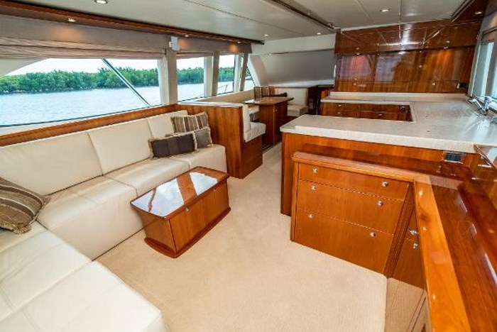 2007 Riviera 58 Flybridge Photo 12 sur 59