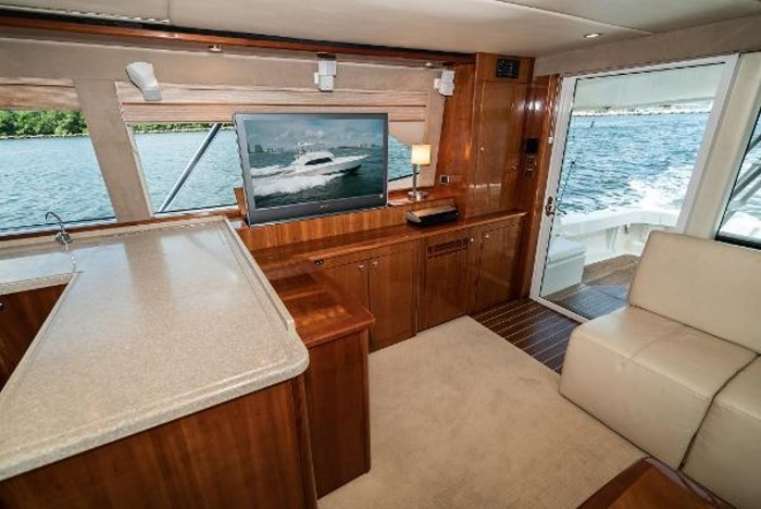 2007 Riviera 58 Flybridge Photo 15 sur 59
