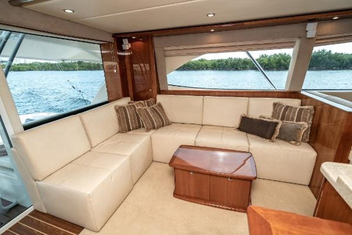 2007 Riviera 58 Flybridge Photo 16 sur 59