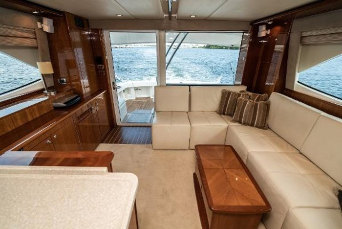 2007 Riviera 58 Flybridge Photo 17 sur 59