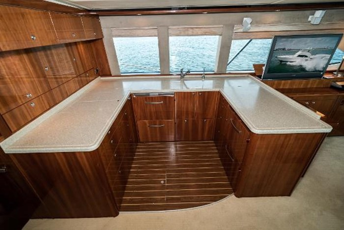 2007 Riviera 58 Flybridge Photo 18 sur 59