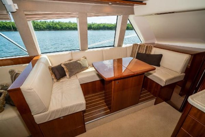 2007 Riviera 58 Flybridge Photo 20 sur 59