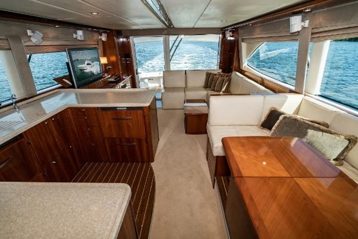 2007 Riviera 58 Flybridge Photo 21 sur 59