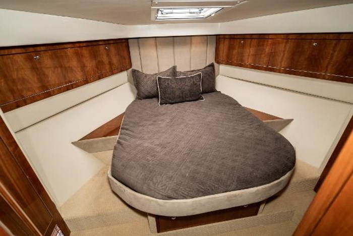 2007 Riviera 58 Flybridge Photo 35 sur 59