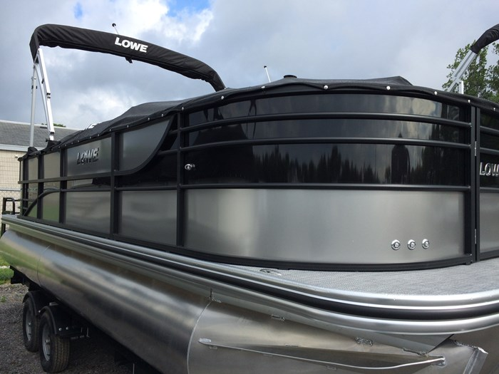 2019 Lowe Lowe 23 Retreat  Mercury 150HP Trailer Tri-Toon Photo 4 of 24