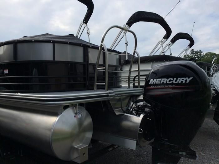 2019 Lowe Lowe 23 Retreat  Mercury 150HP Trailer Tri-Toon Photo 7 sur 24