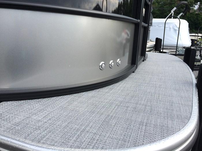 2019 Lowe Lowe 23 Retreat  Mercury 175HP Tri-Toon No Trailer Photo 12 of 24