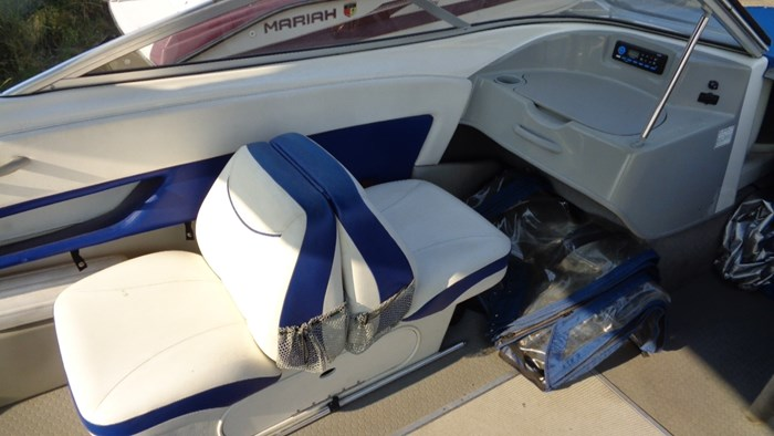 2008 Bayliner 215 Discovery Photo 10 of 12