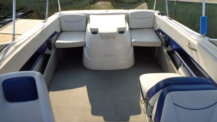 2008 Bayliner 215 Discovery Photo 11 of 12