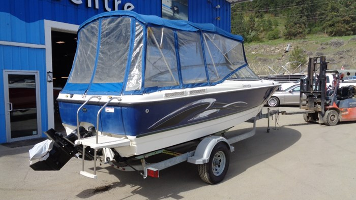 2008 Bayliner 215 Discovery Photo 2 of 12