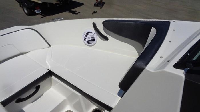 2018 Sea Ray SPX 190 Photo 7 sur 19
