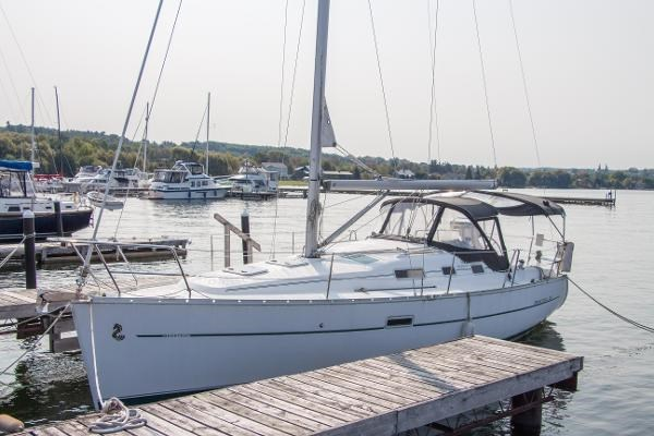 2006 Beneteau Oceanis 323 Photo 1 of 25