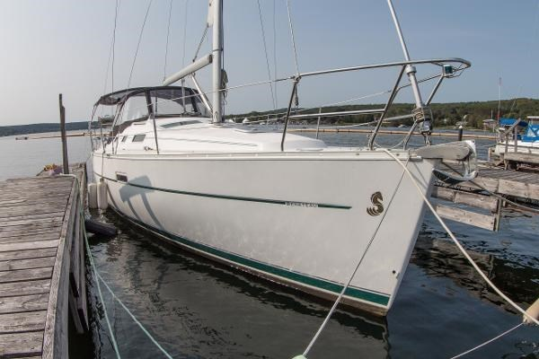 2006 Beneteau Oceanis 323 Photo 5 of 25