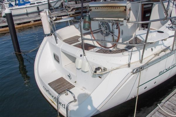 2006 Beneteau Oceanis 323 Photo 7 of 25