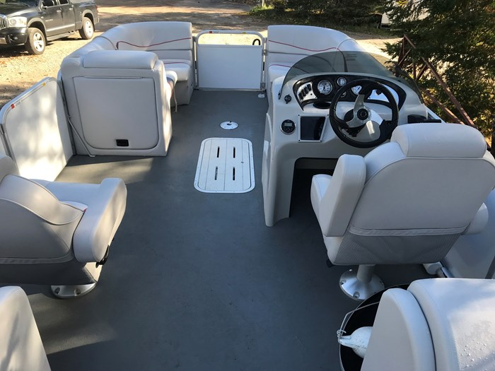 2018 SunCatcher Pontoons by G3 Boats V 322 RC Photo 8 of 8