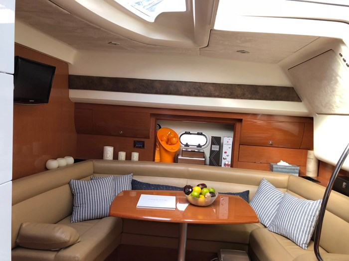 2009 jeanneau Prestige 38S Photo 9 sur 12