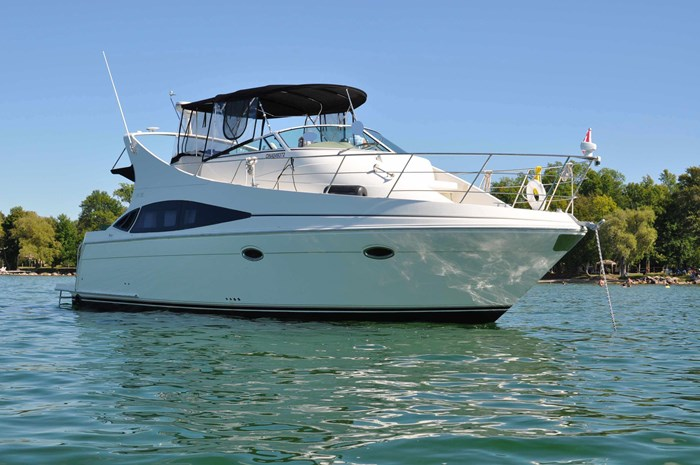 2005 Carver 36 Mariner Photo 1 of 32