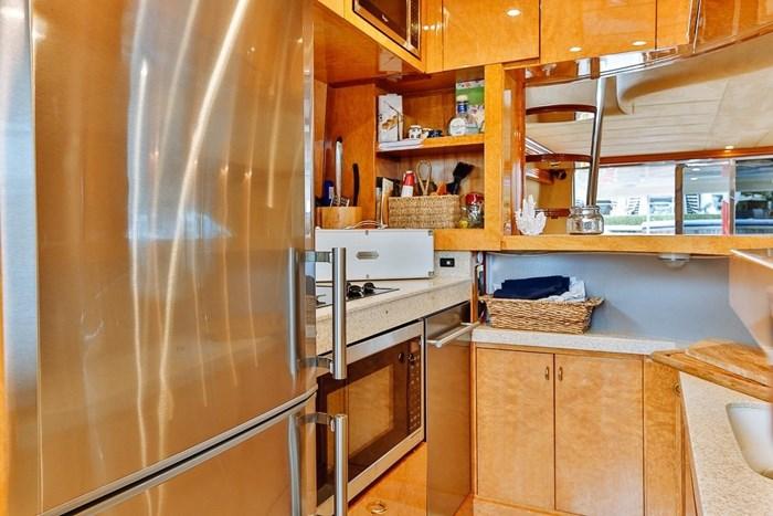 2002 Astondoa 66 Motor Yacht Photo 25 sur 85