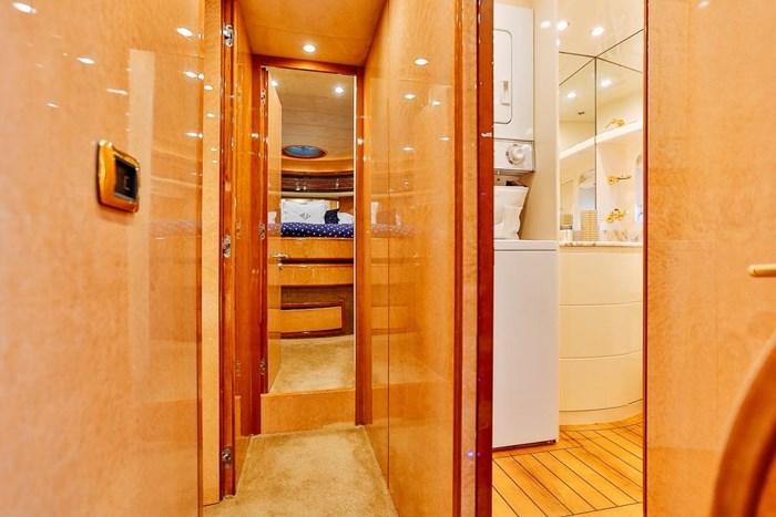 2002 Astondoa 66 Motor Yacht Photo 36 sur 85