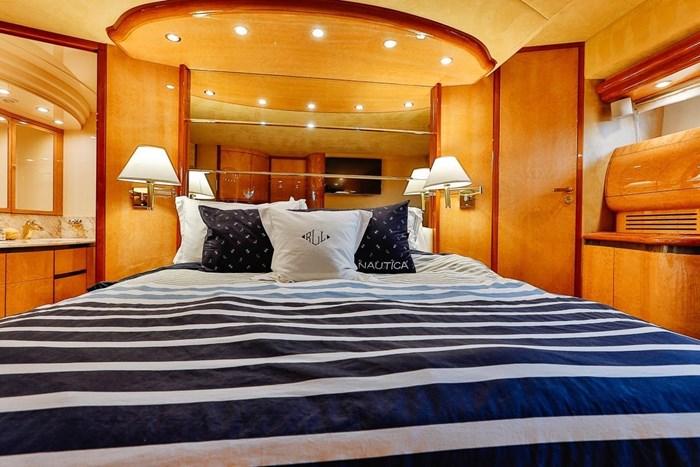 2002 Astondoa 66 Motor Yacht Photo 38 sur 85