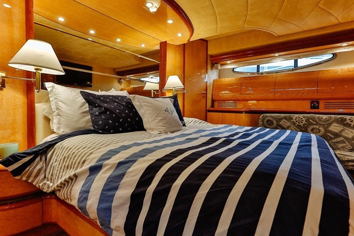 2002 Astondoa 66 Motor Yacht Photo 40 sur 85
