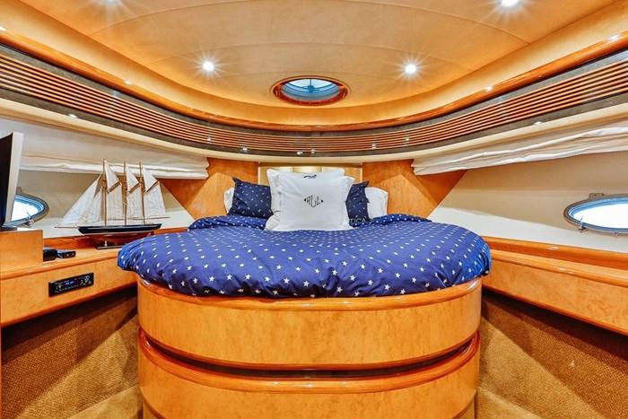 2002 Astondoa 66 Motor Yacht Photo 47 sur 85