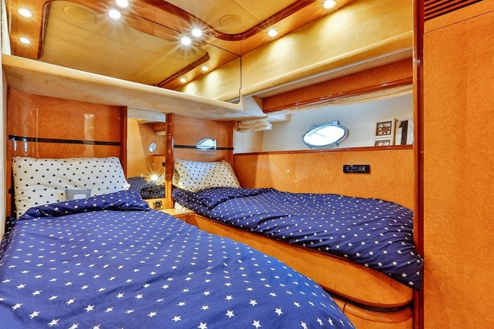2002 Astondoa 66 Motor Yacht Photo 53 sur 85