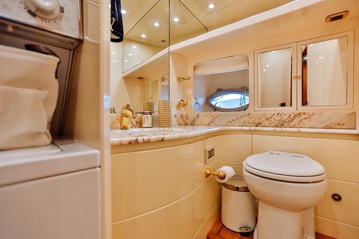 2002 Astondoa 66 Motor Yacht Photo 59 sur 85