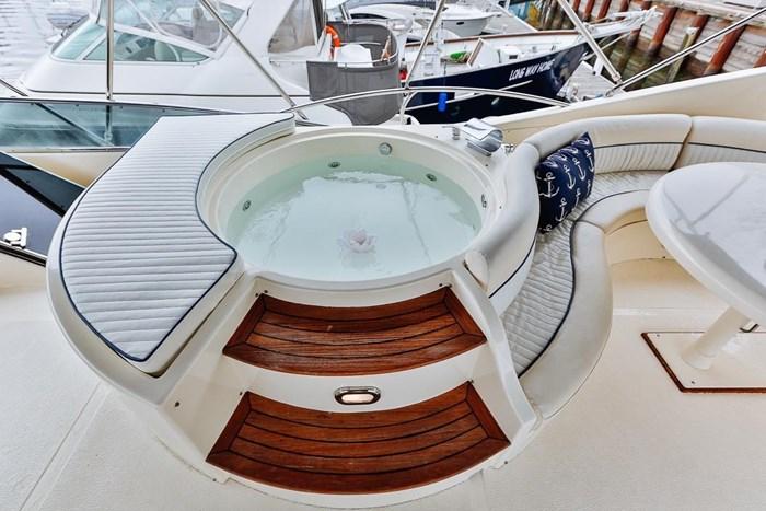 2002 Astondoa 66 Motor Yacht Photo 74 sur 85