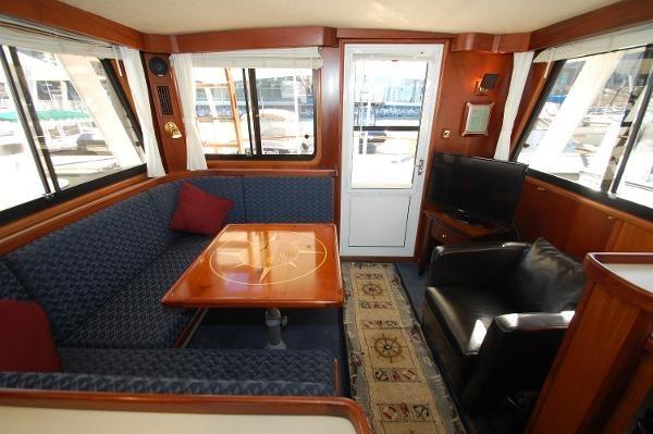 2007 Kenner Suwanee Flybridge Cruiser Photo 7 sur 32
