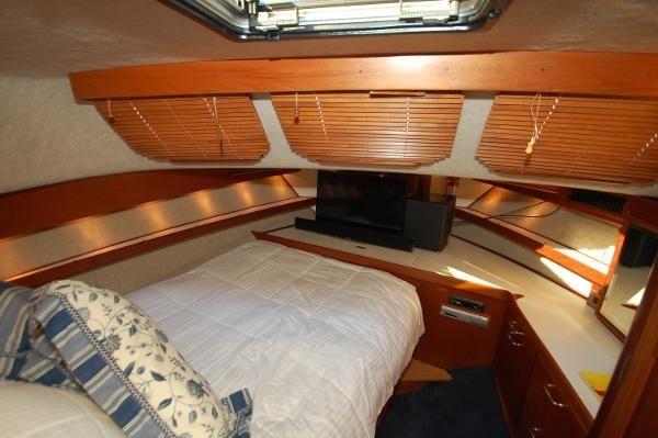 2007 Kenner Suwanee Flybridge Cruiser Photo 23 sur 32