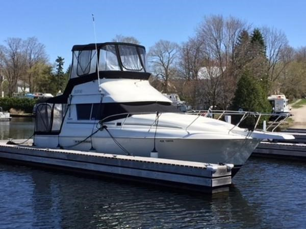 Silverton 31 Convertible 1995 Used Boat for Sale in Rideau Lakes ...