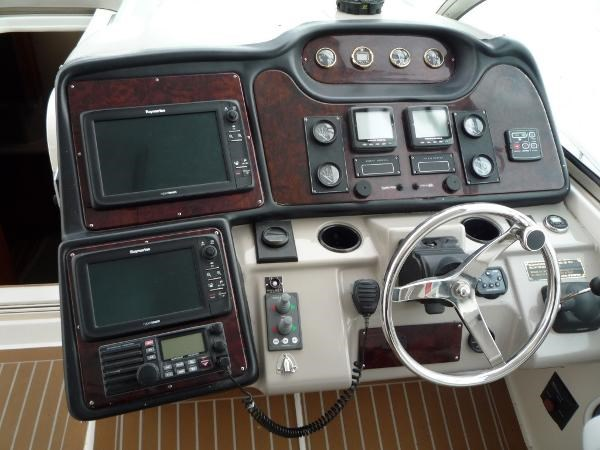 2004 Cruisers Yachts 440 Express Photo 10 sur 31