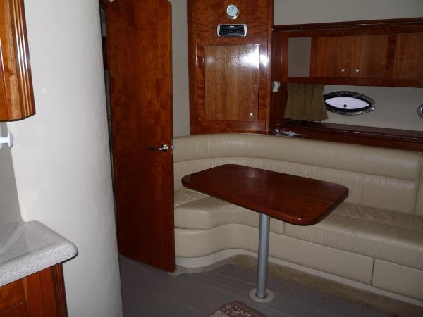 2004 Cruisers Yachts 440 Express Photo 13 sur 31