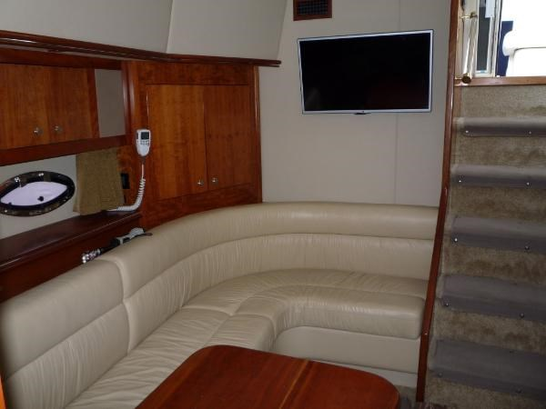 2004 Cruisers Yachts 440 Express Photo 14 sur 31