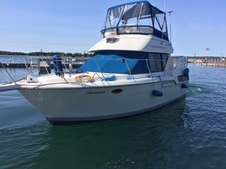 1992 Carver aft cabin 30 ft overall 28ft aft cabin fly bridge (hull length) Photo 1 of 16