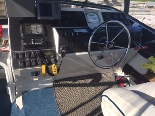 1992 Carver aft cabin 30 ft overall 28ft aft cabin fly bridge (hull length) Photo 14 of 16