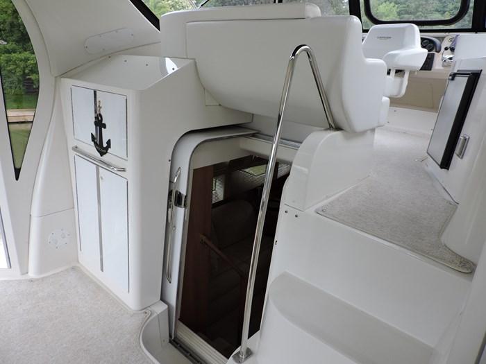 2005 Carver 44 Cockpit Motor Yacht Photo 26 of 62