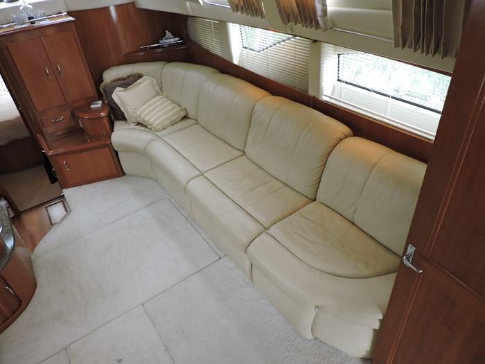 2005 Carver 44 Cockpit Motor Yacht Photo 28 of 62