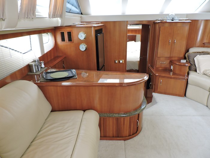 2005 Carver 44 Cockpit Motor Yacht Photo 33 of 62