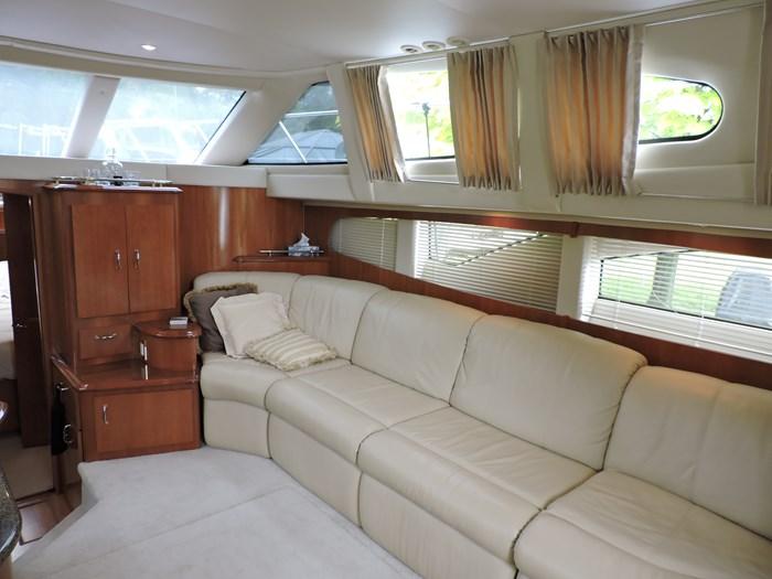 2005 Carver 44 Cockpit Motor Yacht Photo 34 of 62