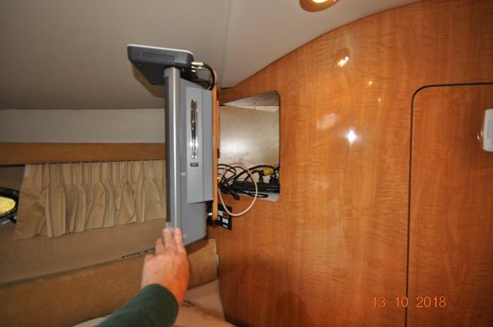 2004 Regal Commodore 3880 Photo 8 of 38