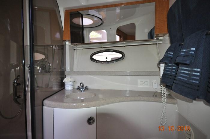 2004 Regal Commodore 3880 Photo 23 of 38