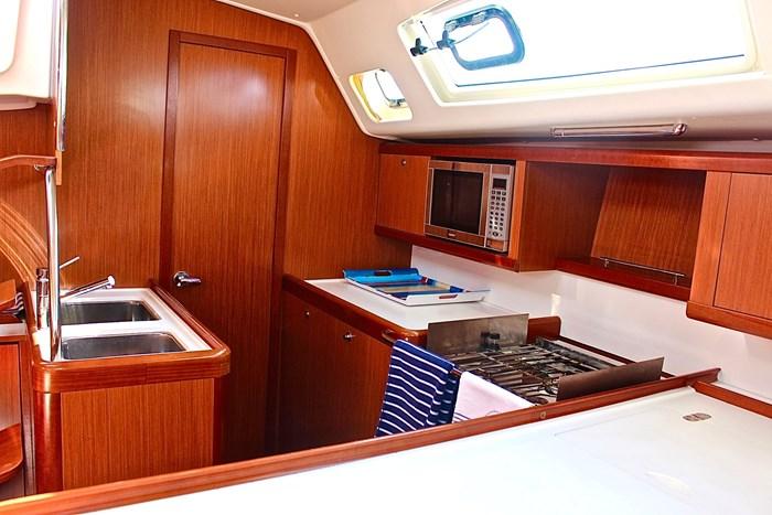 2008 Beneteau Oceanis Photo 3 sur 9